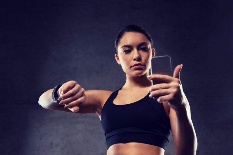 woman checking heart rate variability using DrKumo smartwatch