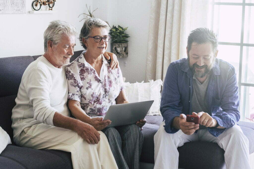 Elderly people satisfied with Remote Patient Monitoring-benefits of rpm, chronic disease management, remote patient monitoring-DHM95L92-Drkumo Inc.