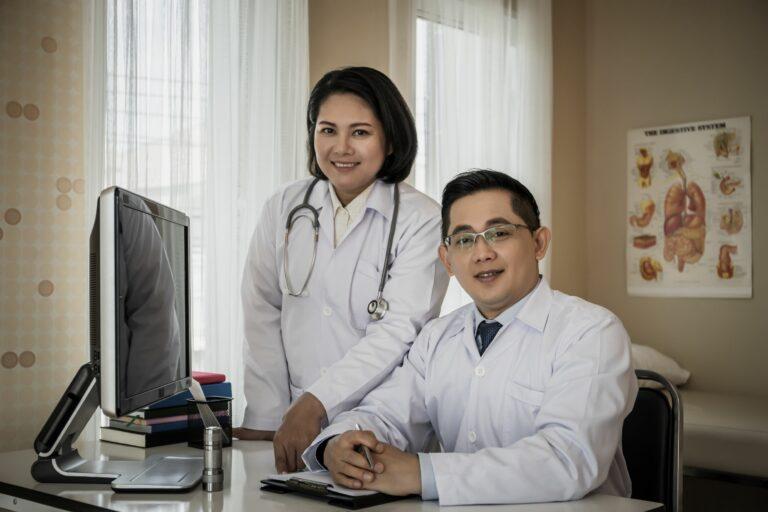 Doctors using DrKumo Remote Patient Monitoring - 4VV4VJU2 - DrKumo Inc.